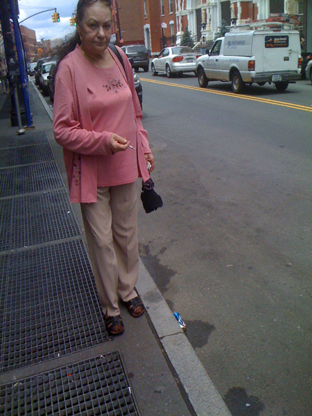 lady in pink smokingLUIB